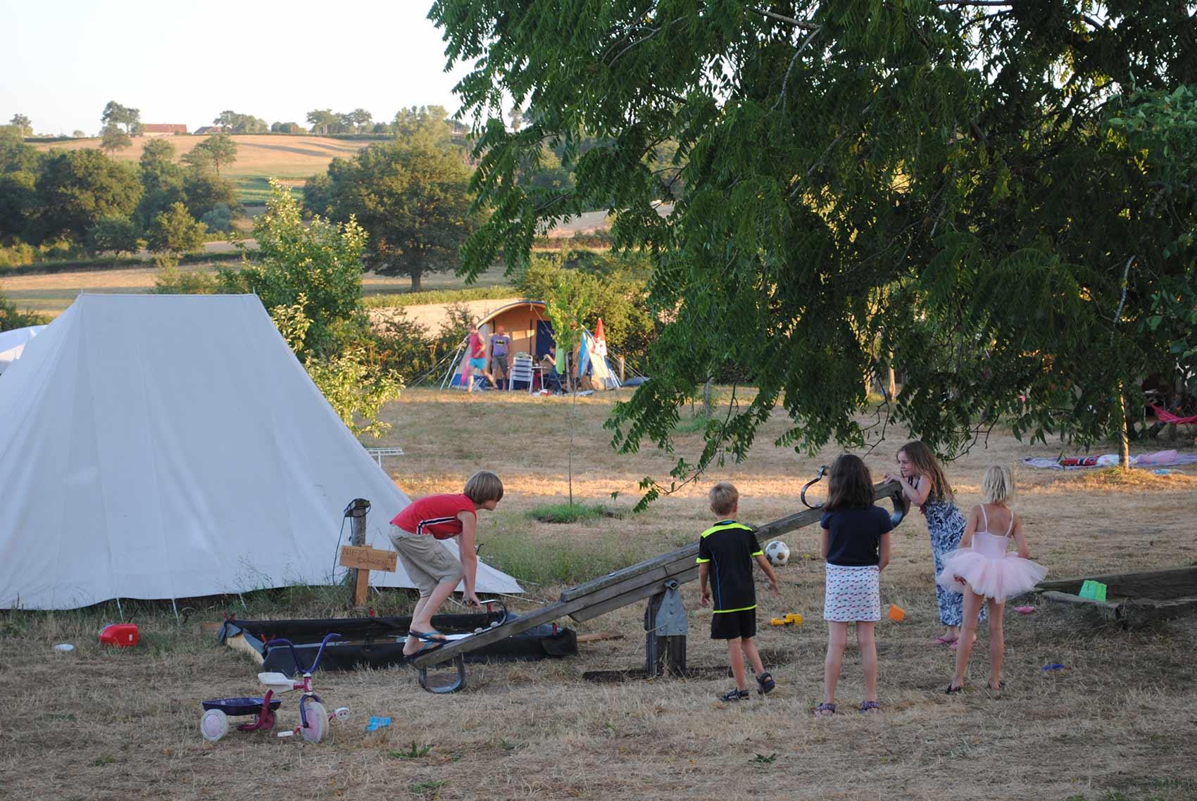 Kinderparadijs, speeltuin, Brénazet, Allier, Auvergne