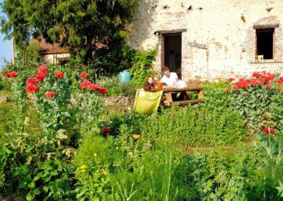 vakantiehuis-la-source-terras-en-moestuin